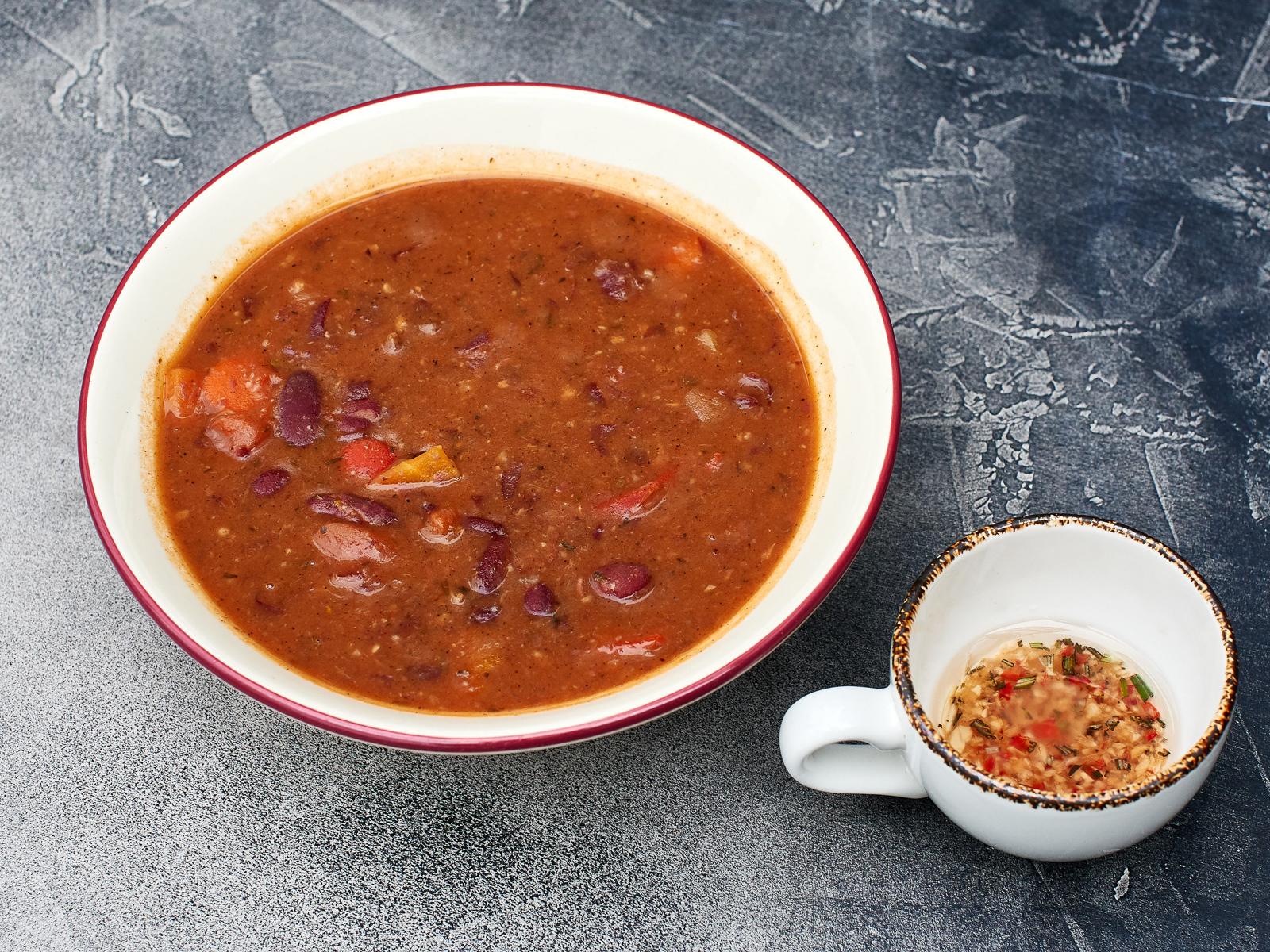 Испанский фасолевый суп