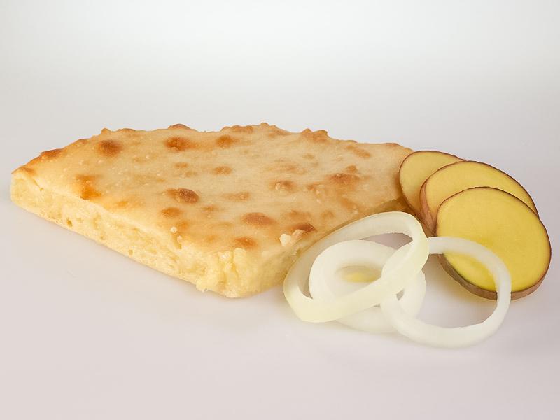 Пирог с картофелем и жареным луком