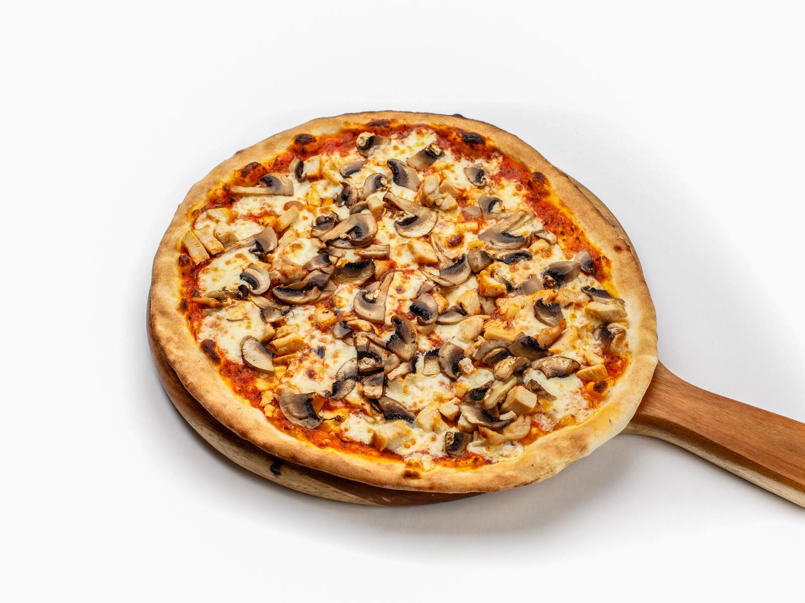 Пицца с домашним цыпленком