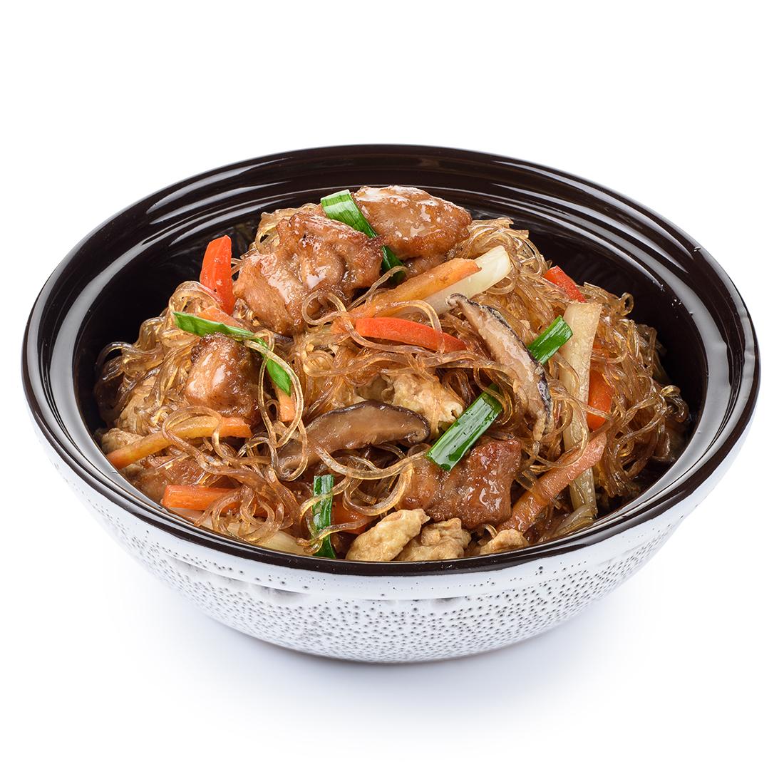 Стеклянная лапша с курицей в тайском соусе