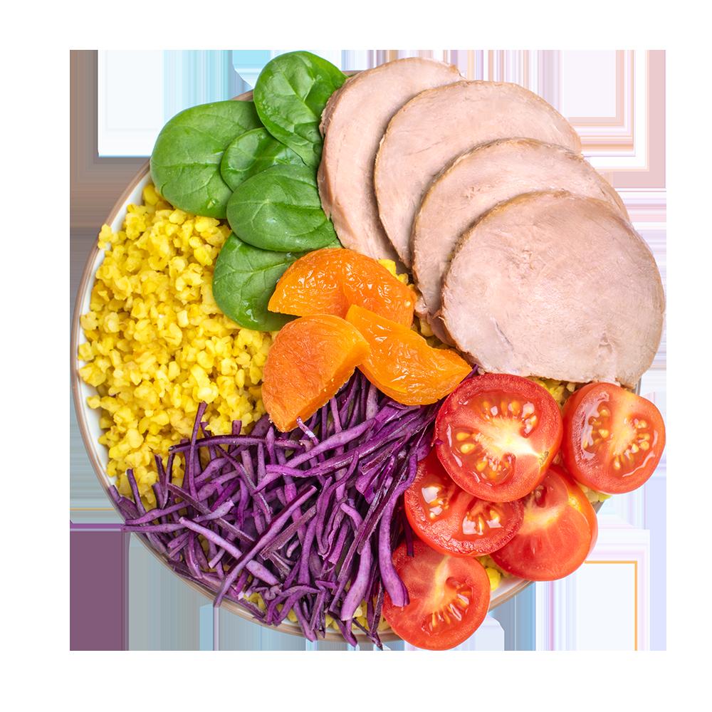 Салат-боул с томленой телятиной, курагой и шпинатом
