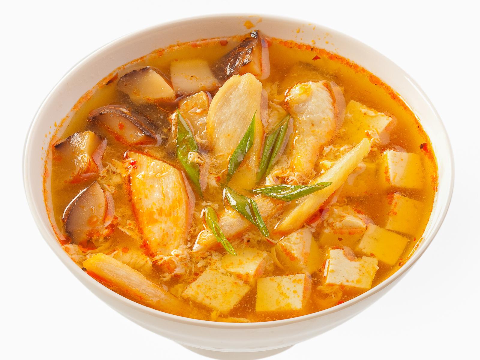 Остро-кислый суп с курицей