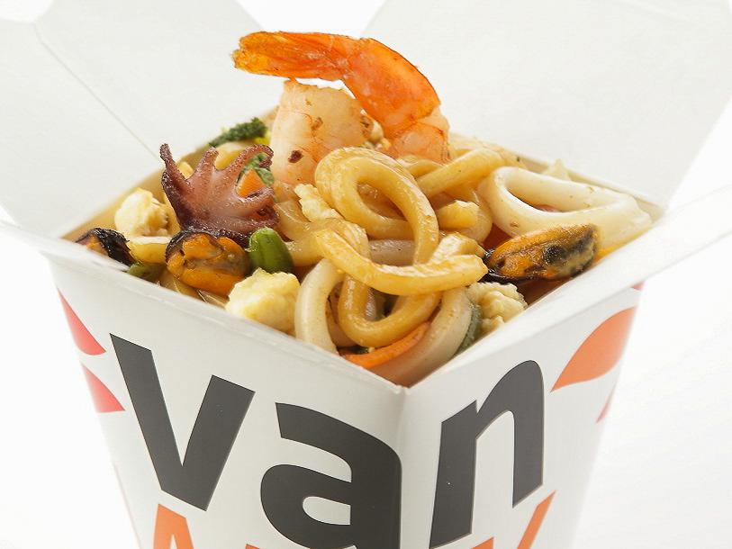 Вок японский удон с морепродуктами в соусе