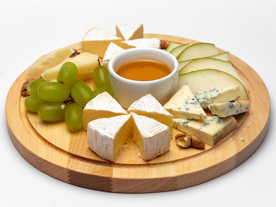 Ассорти сыров под вино
