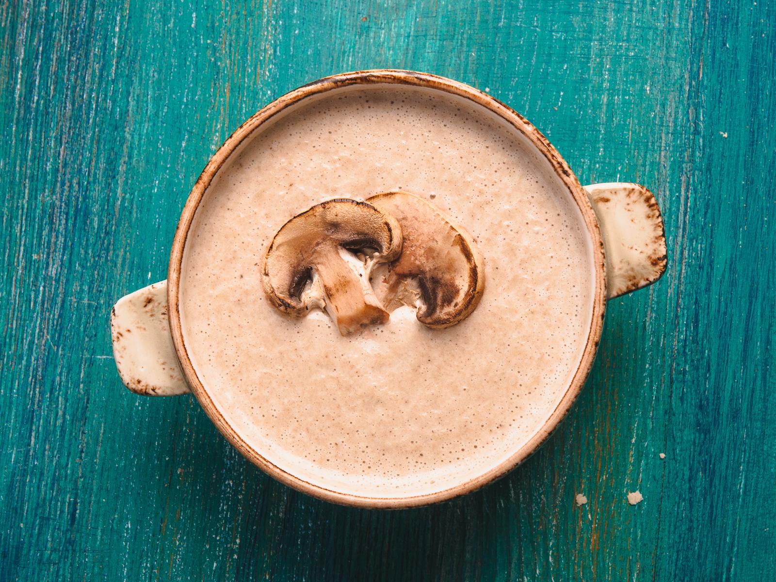 Суп-пюре с белыми грибами и шампиньонами