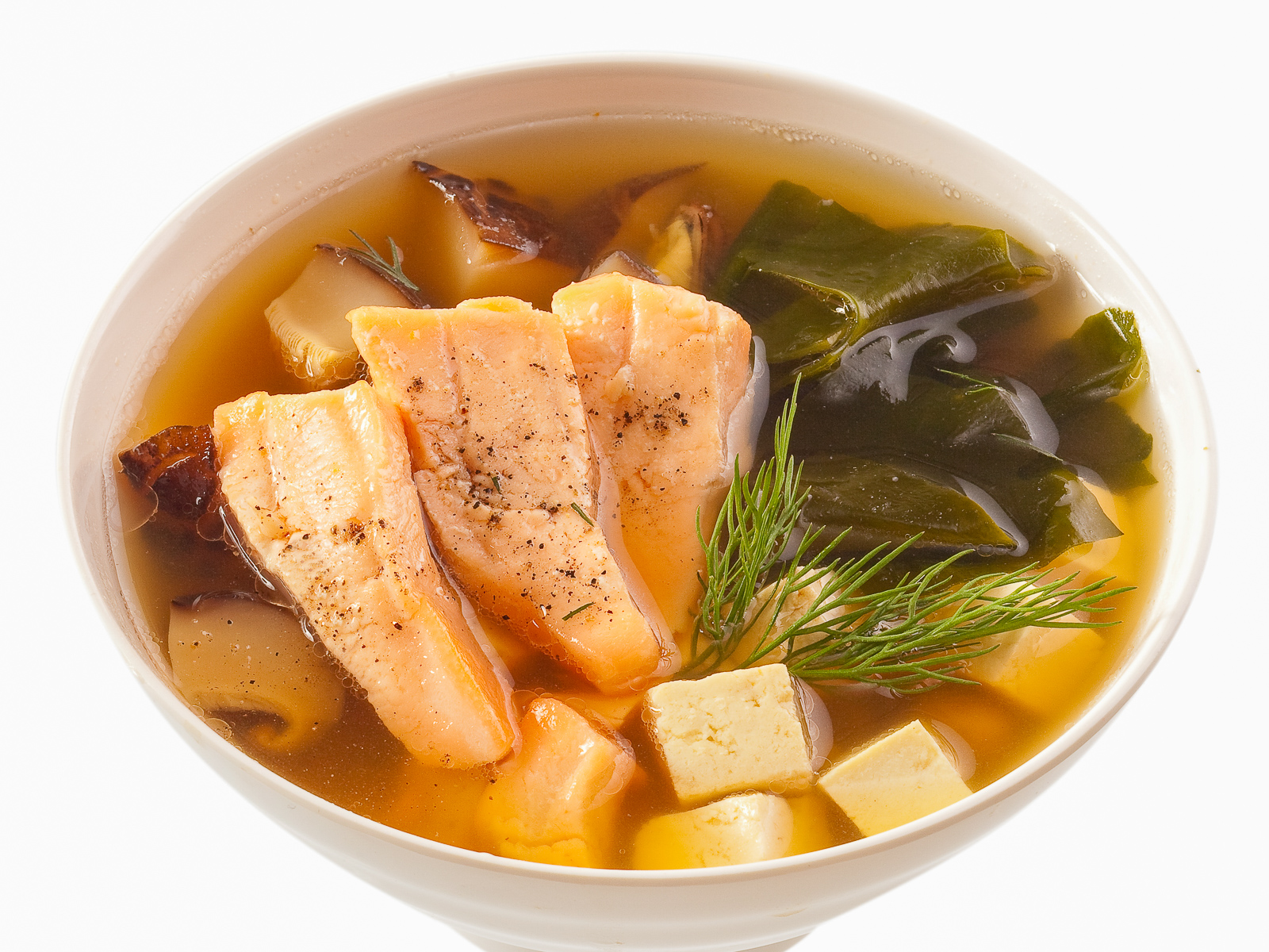 Суп с лососем и тофу