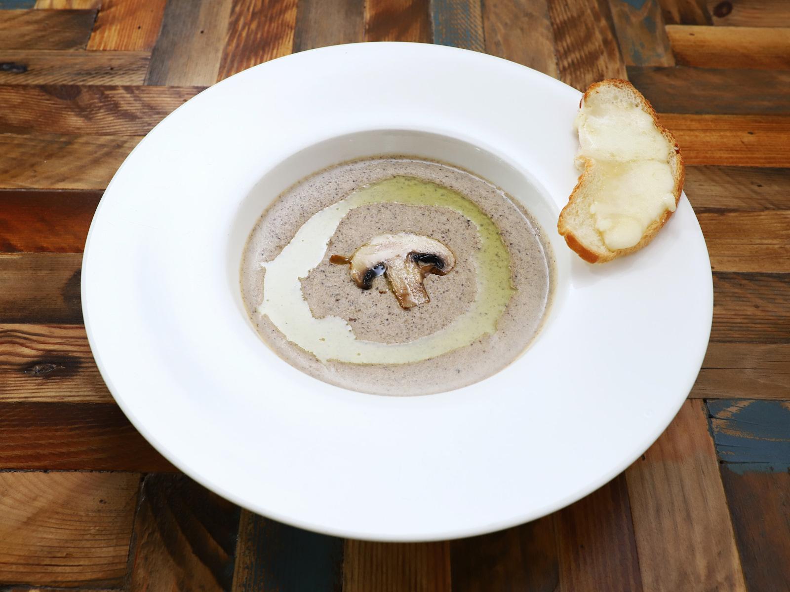 Суп-крем Грибной с сырными гренками