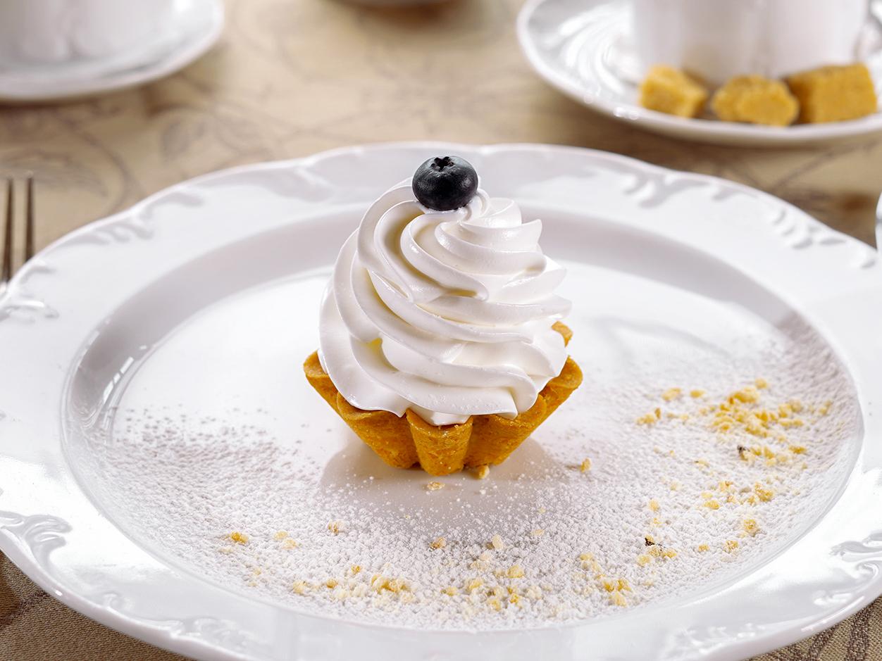 Десерт Корзиночка с белковым кремом