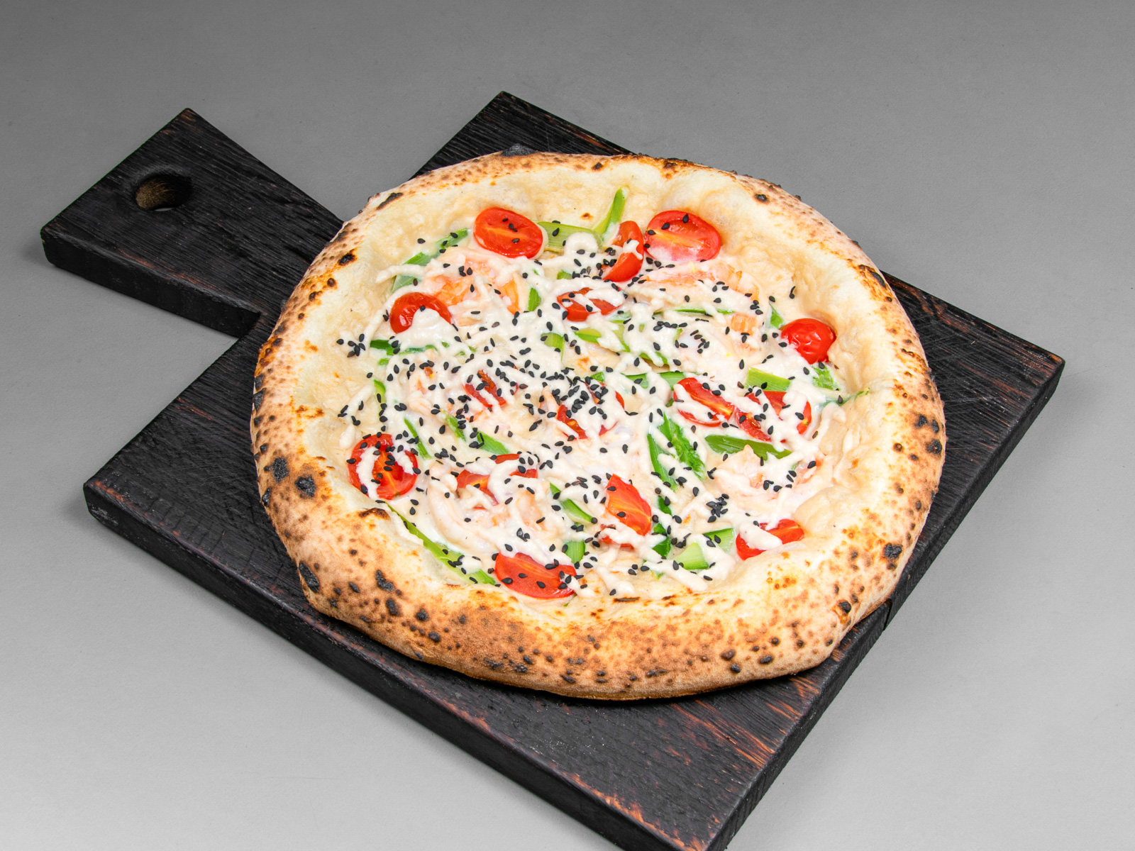 Пицца с креветками и спаржей