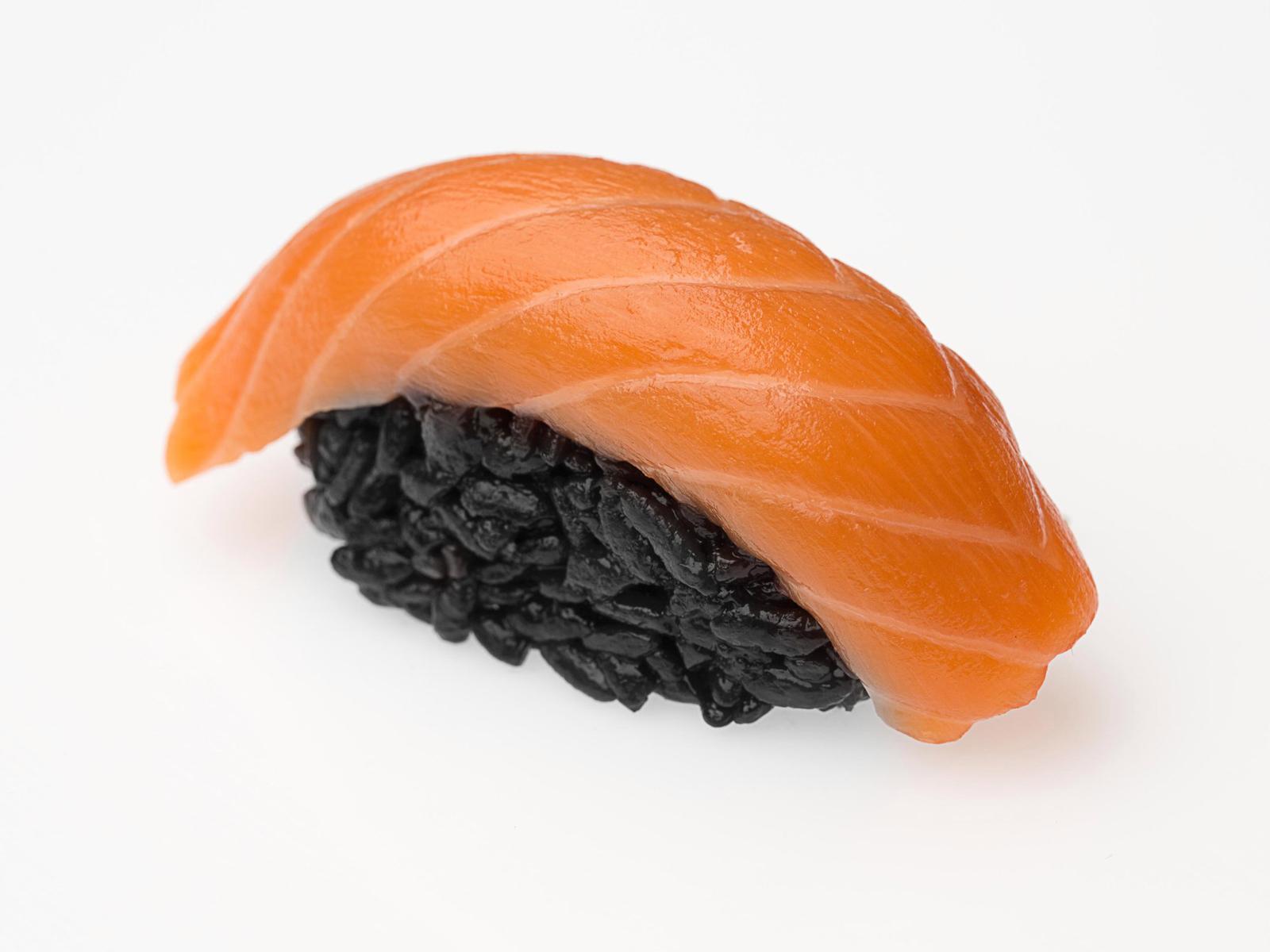 Суши Black с лососем