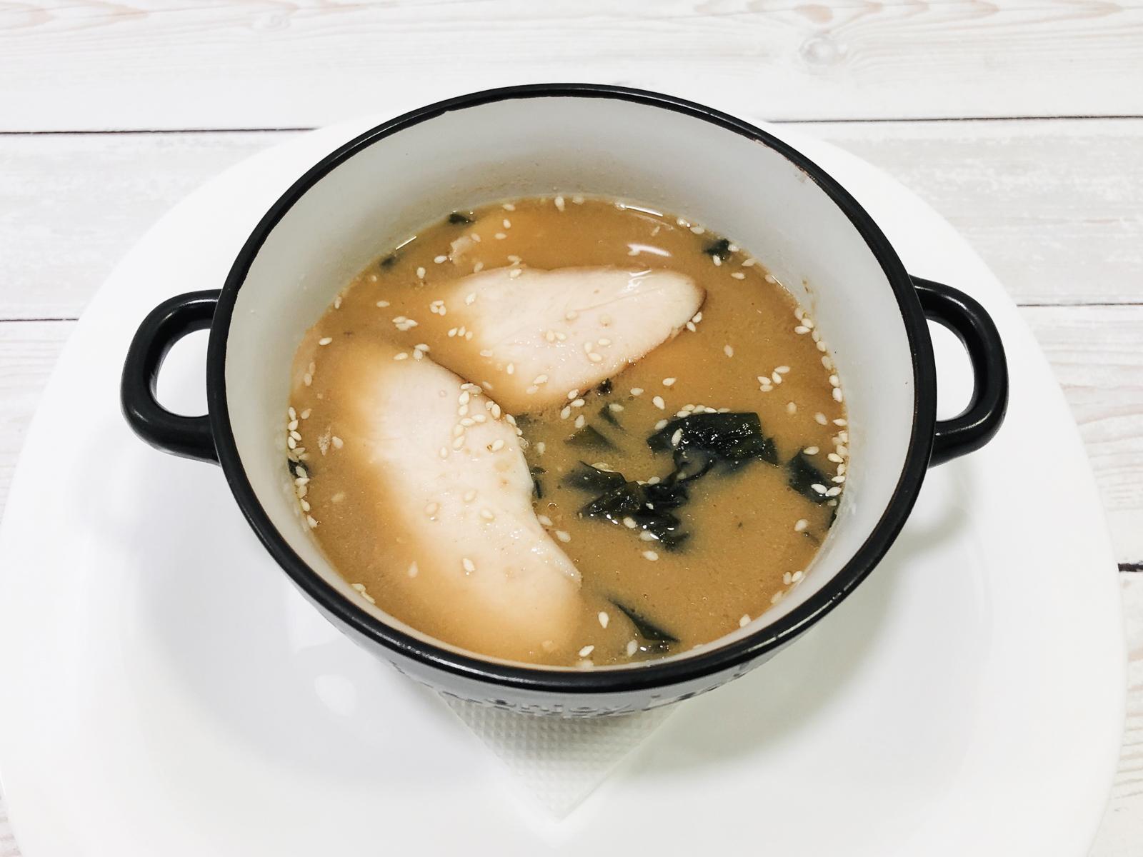 Мисо суп с копченой курицей