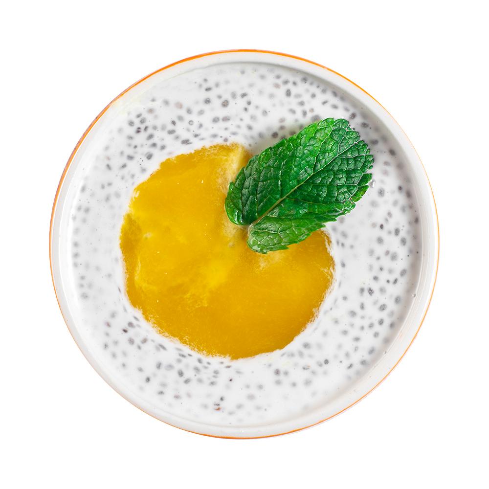 Десерт чиа с манго на кокосовом молоке