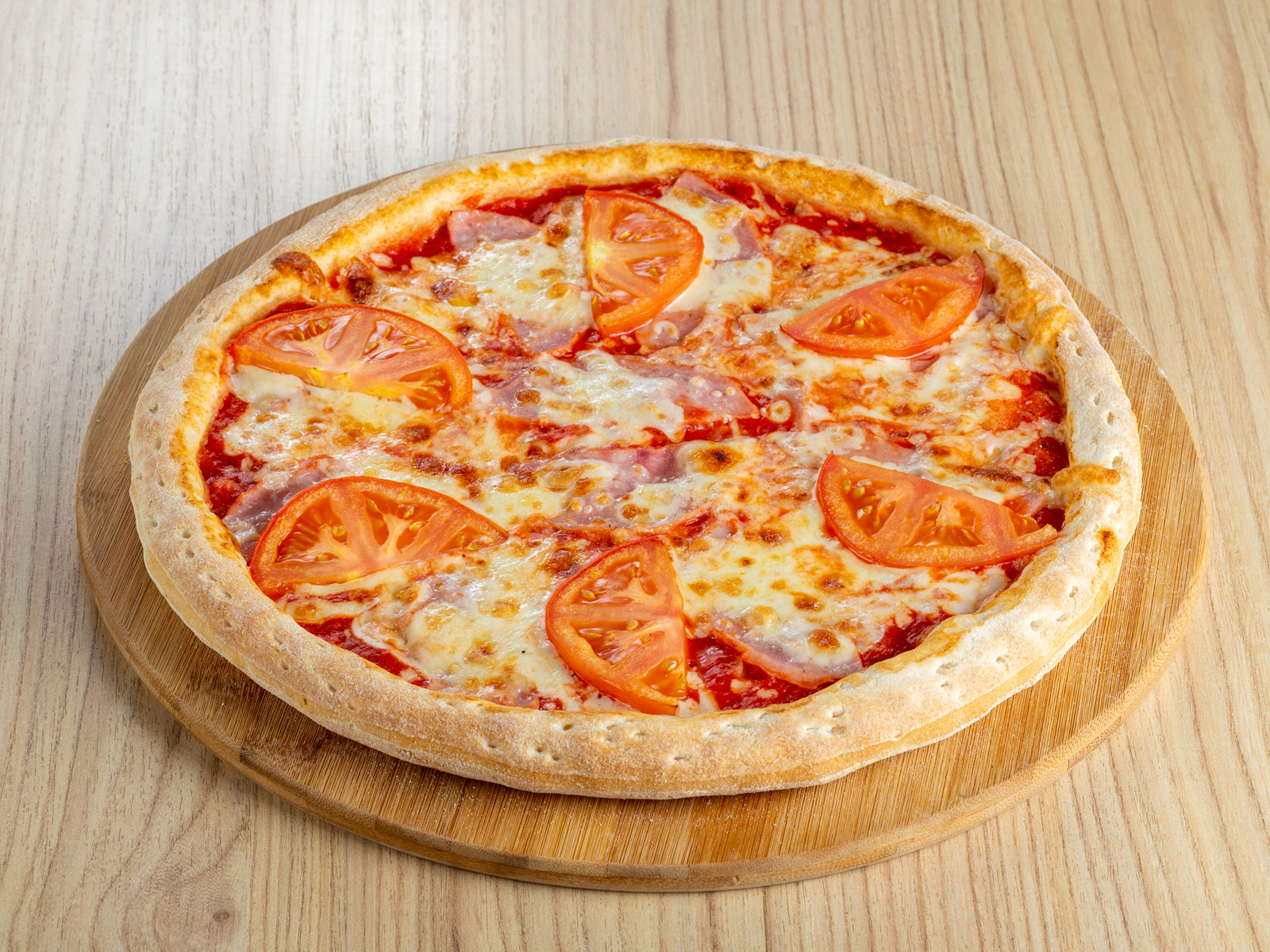 Пицца Ветчина и томаты