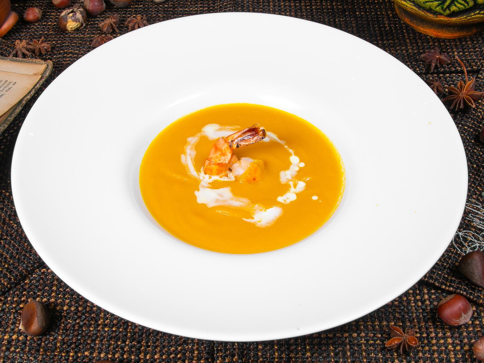 Суп-пюре из тыквы с креветкой
