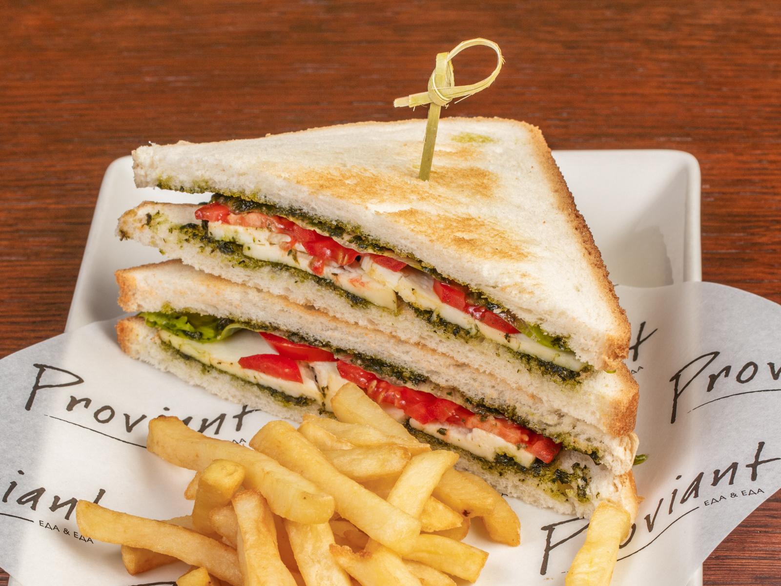 Сендвич с моцареллой