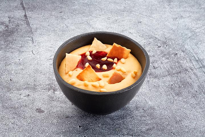 Десерт Гурьевский с клубничным вареньем и орешками