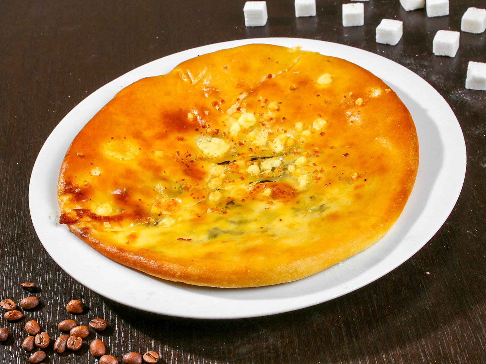 Осетинский пирог сыром и зеленью