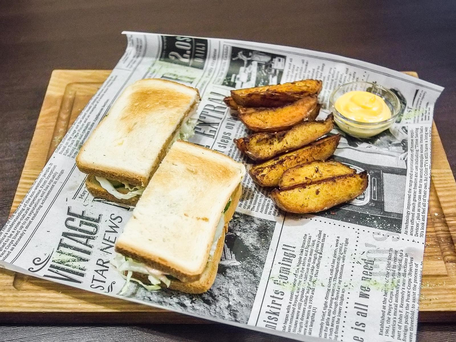 Сэндвич с куриным филе терияки