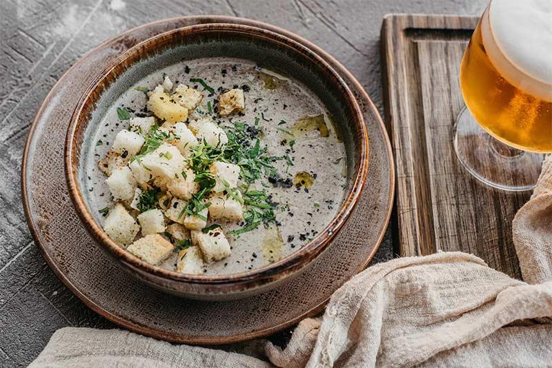 Грибной крем-суп с трюфельным соусом