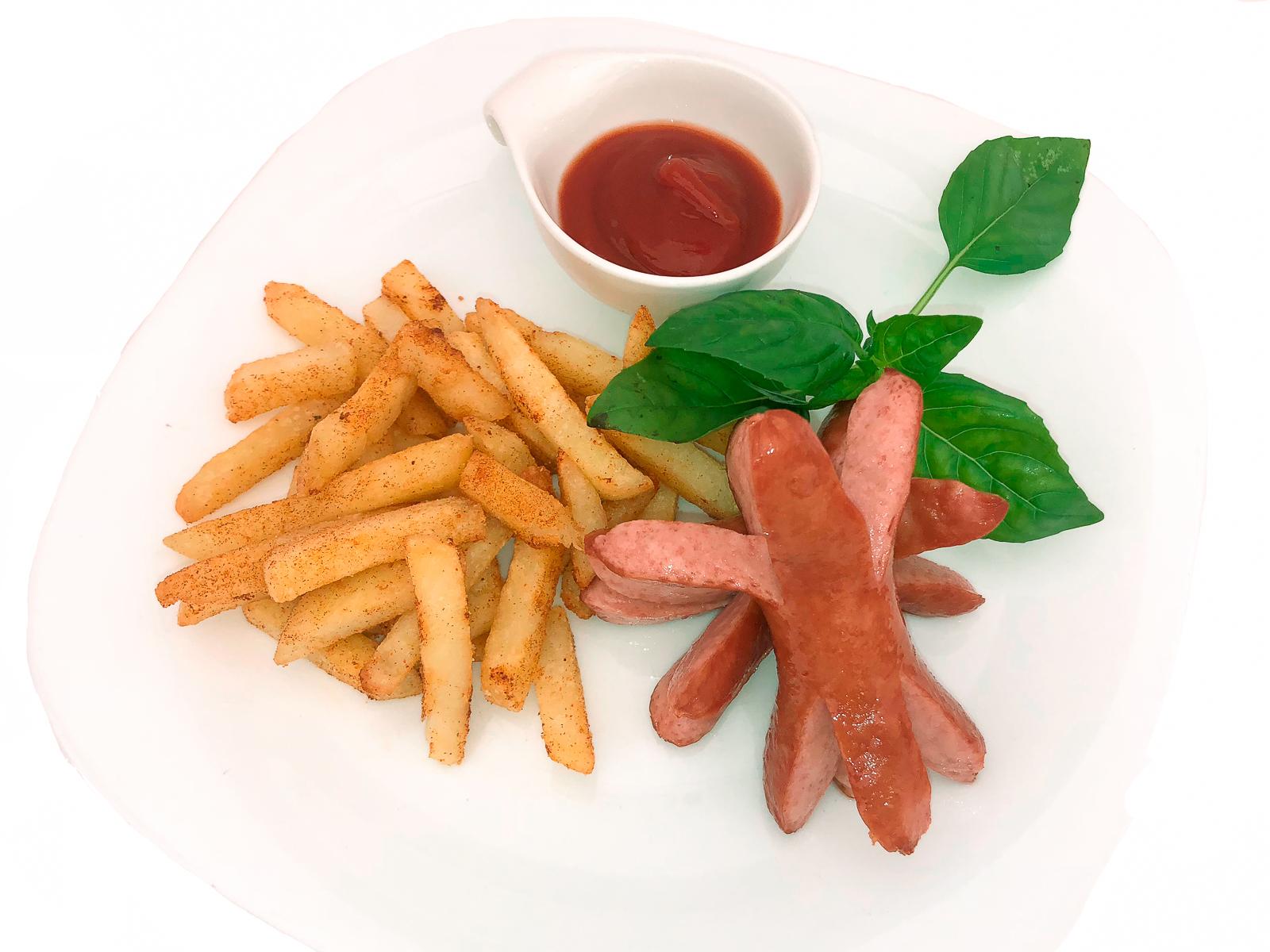 Сосиски с картошкой фри