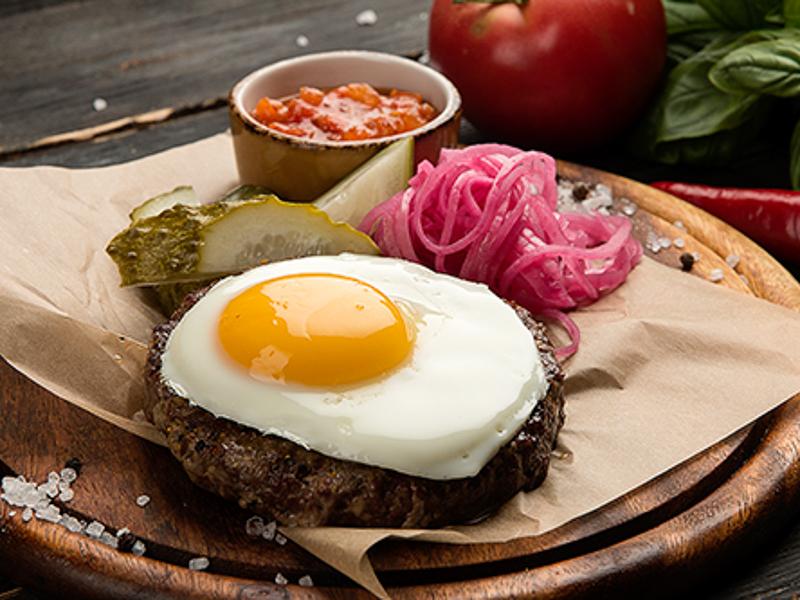 Традиционный бифштекс из говядины зернового откорма