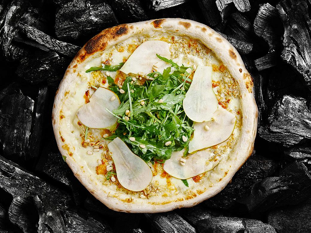 Пицца Белая с грушей и сыром Мон Блю