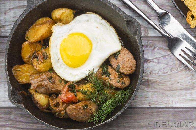 Купаты с картофелем и яйцом