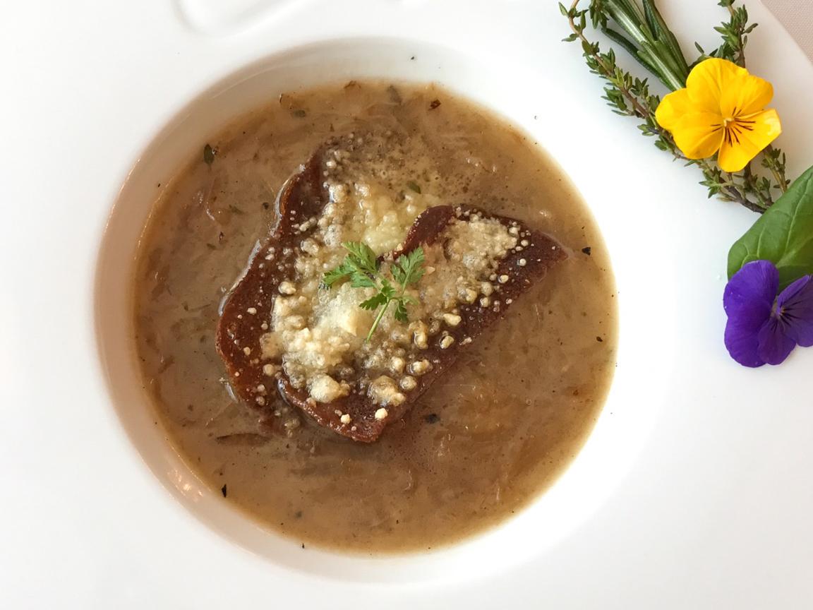 Французский луковый суп с кальмаром