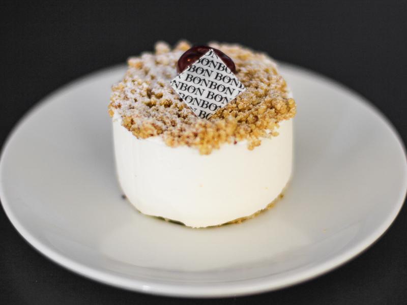 Пирожное Вишневое с сыром