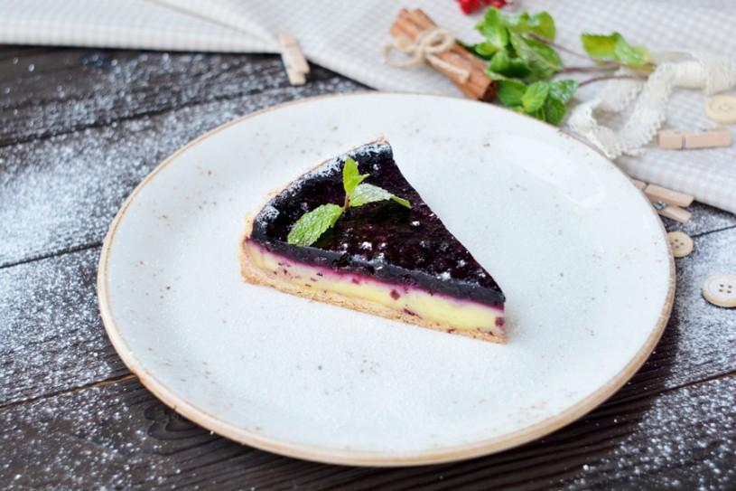 Черничный пирог на песочном тесте с заварным кремом