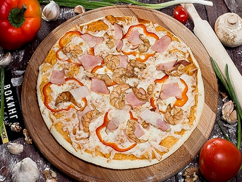 Пицца Креветки в беконе на тонком тесте