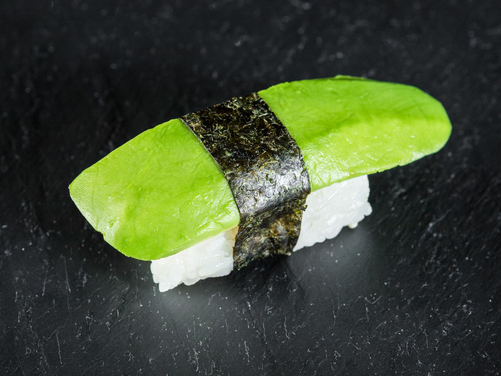 Суши Нигири с авокадо