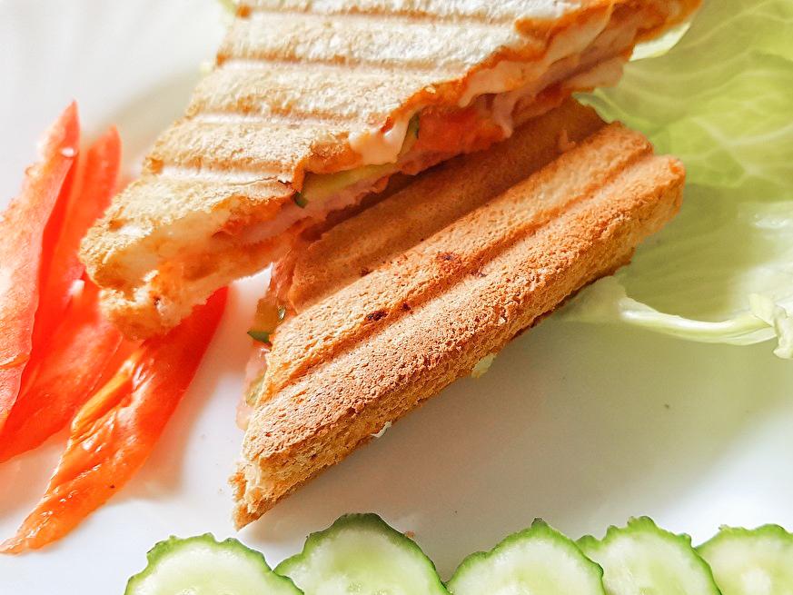 Гриль-сэндвич с ветчиной