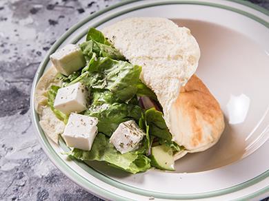 Овощной салат в пите