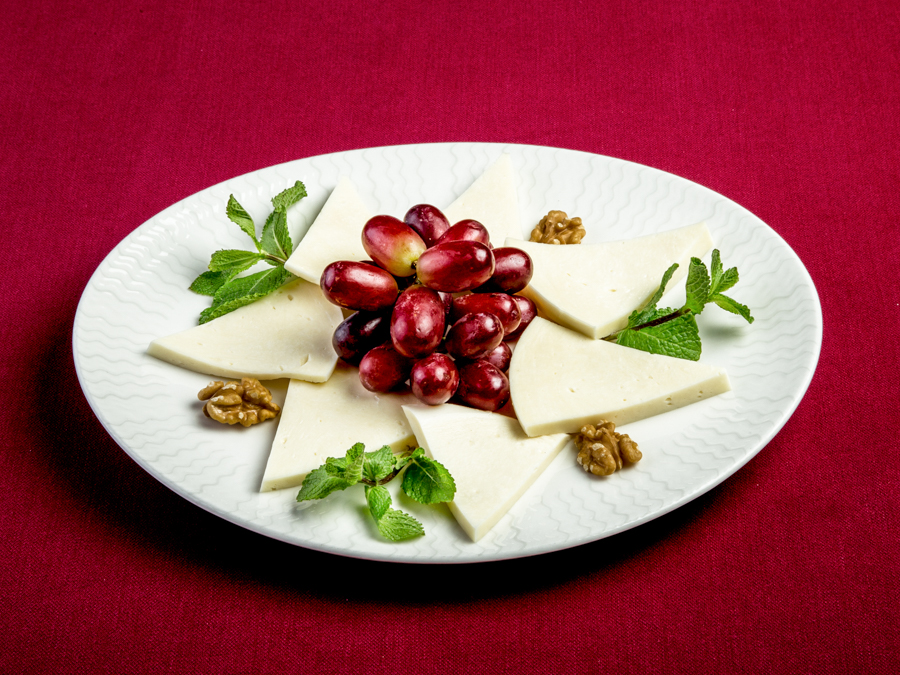 Сыр сулугуни молочный