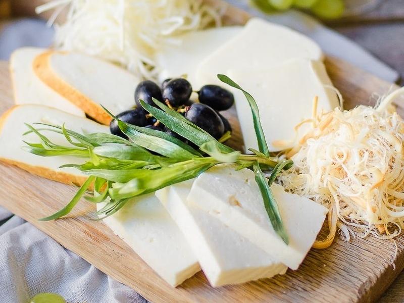 Ассорти домашних сыров