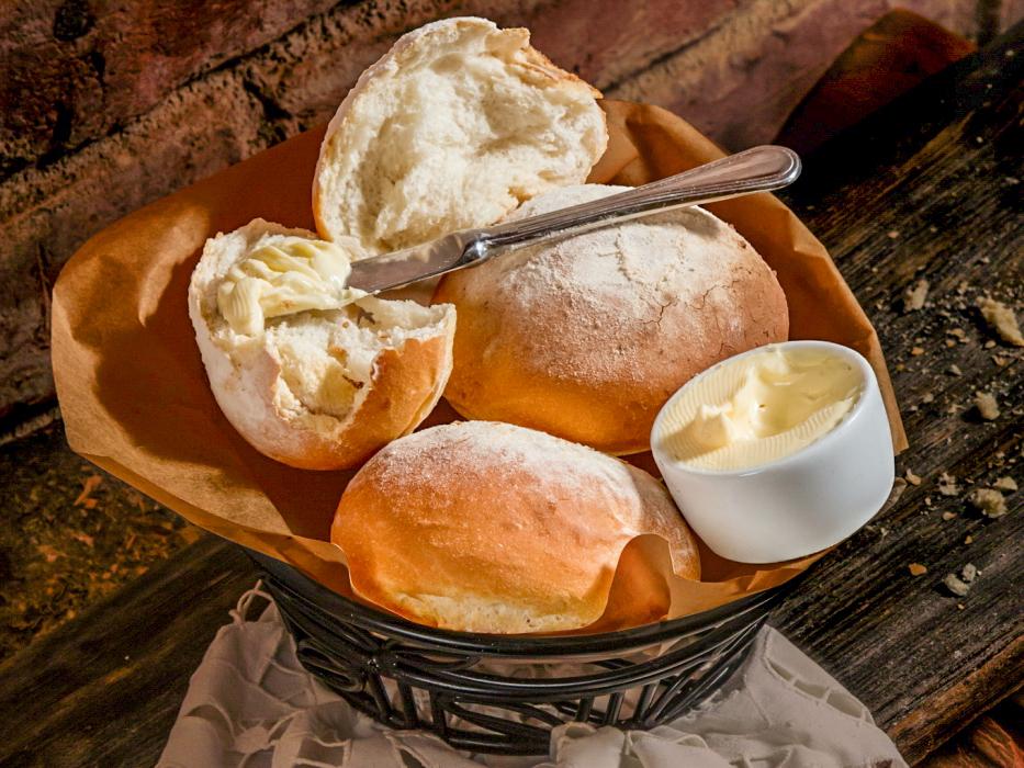 Итальянский хлеб со сливочным маслом