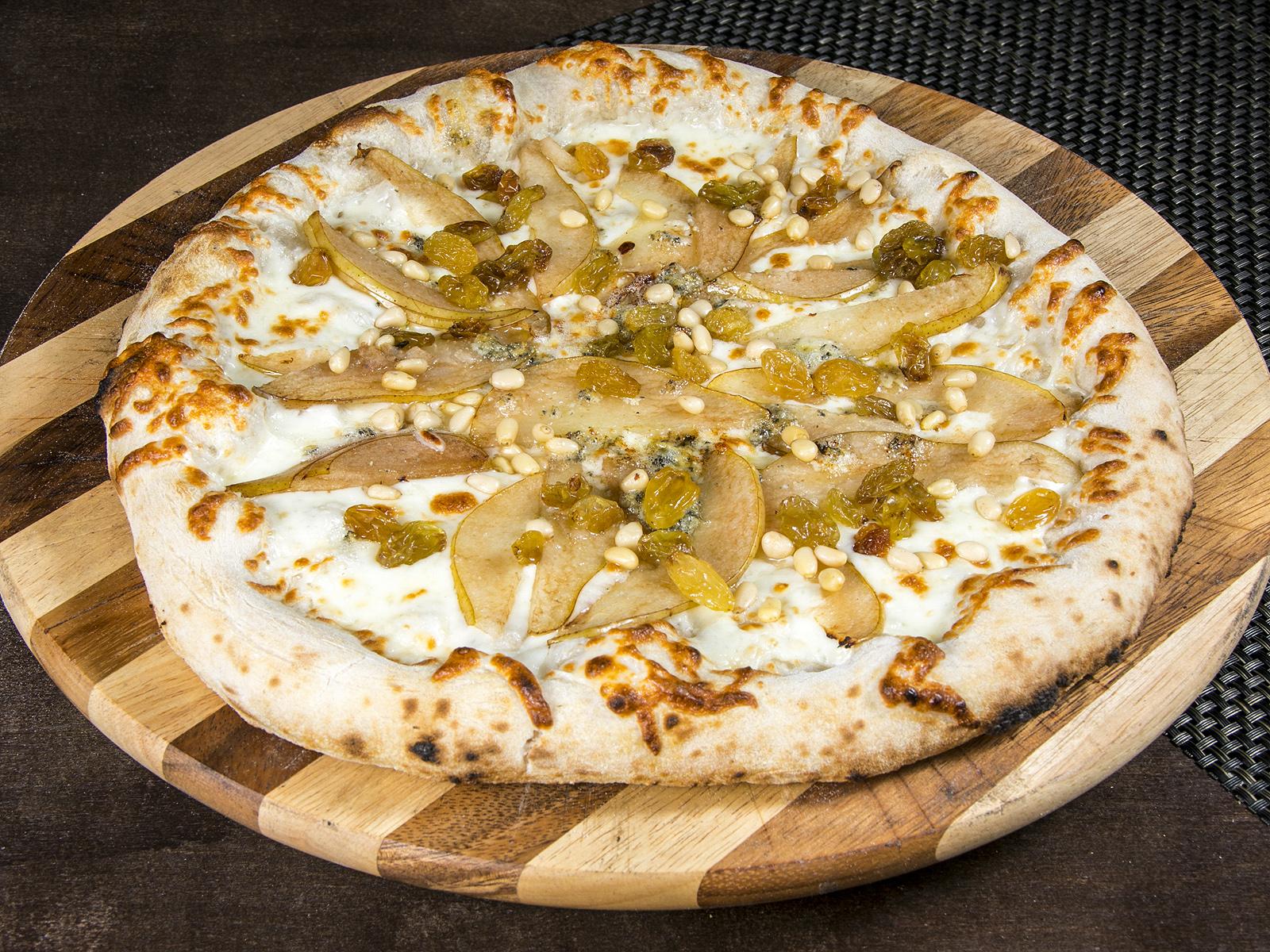 Сладкая Пицца Горгонзола с грушей