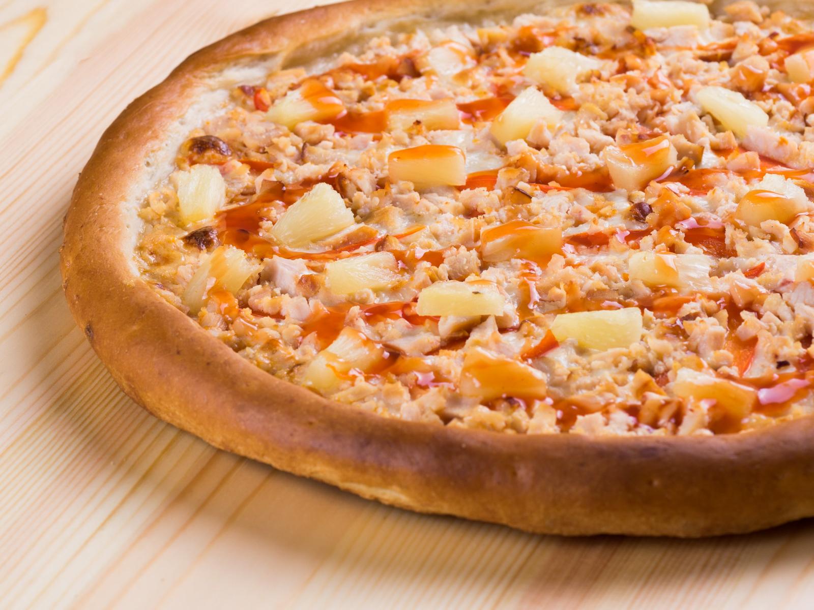 Пицца Цыплёнок в ананасах