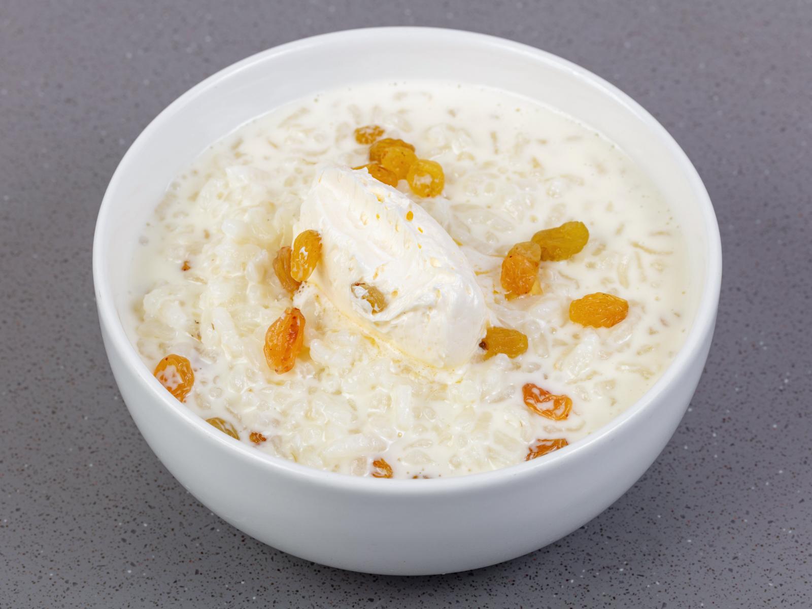 Каша рисовая с белым изюмом