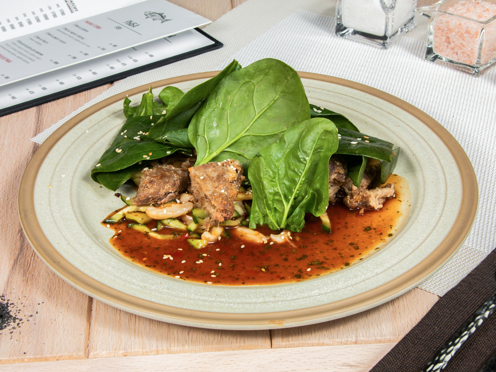 Тайский салат с хрустящей уткой
