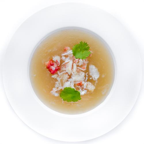 Суп из акульих плавников с мясом краба