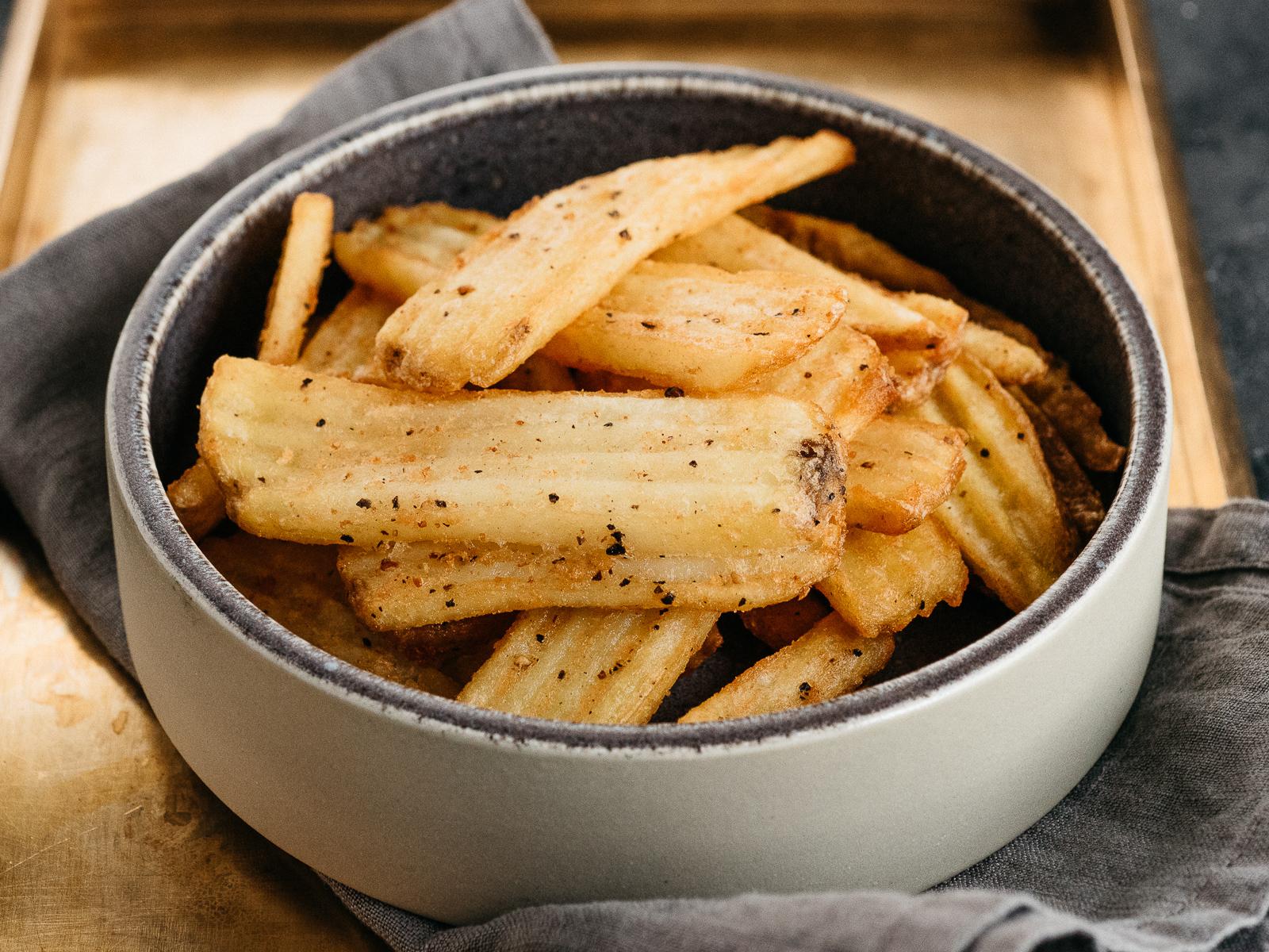 Картофель фри с трюфельным маслом