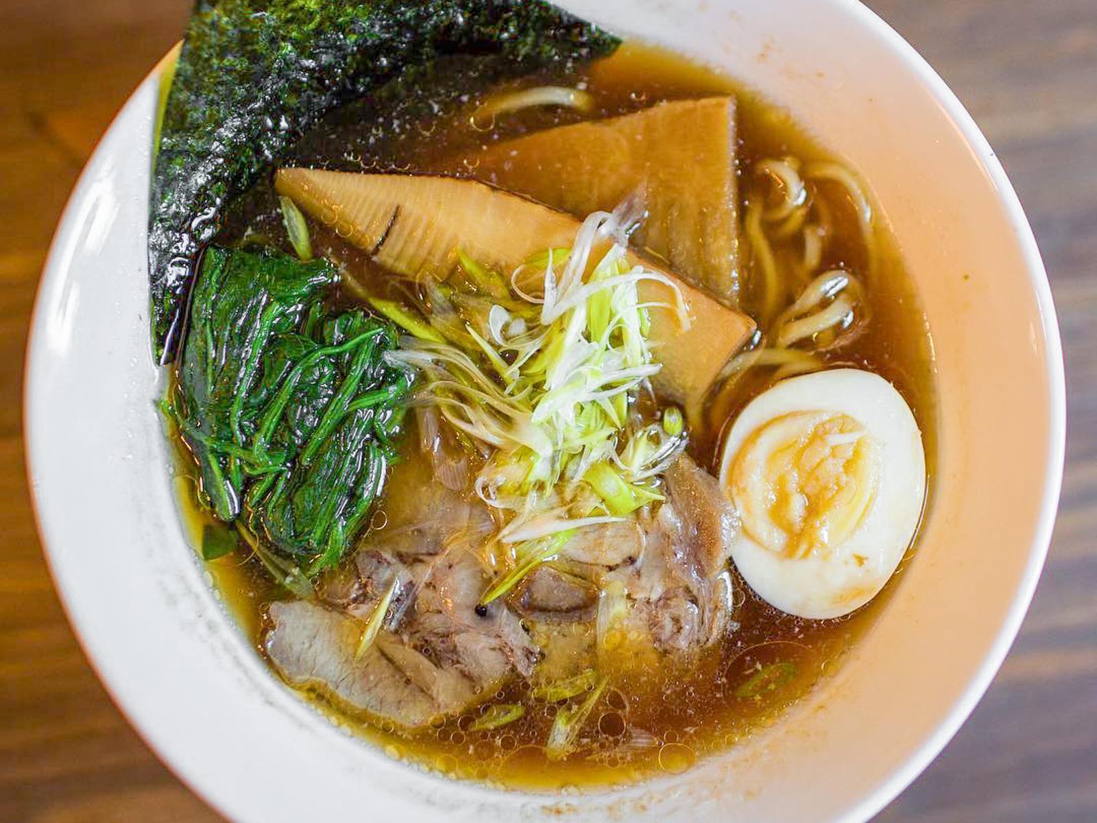 Суп Соя-рамен со свининой
