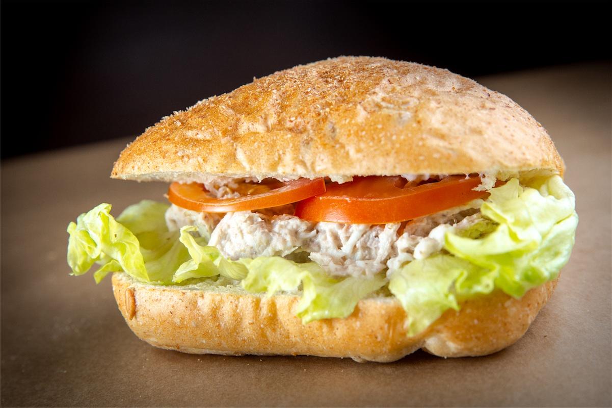 Сэндвич с тунцом на паве