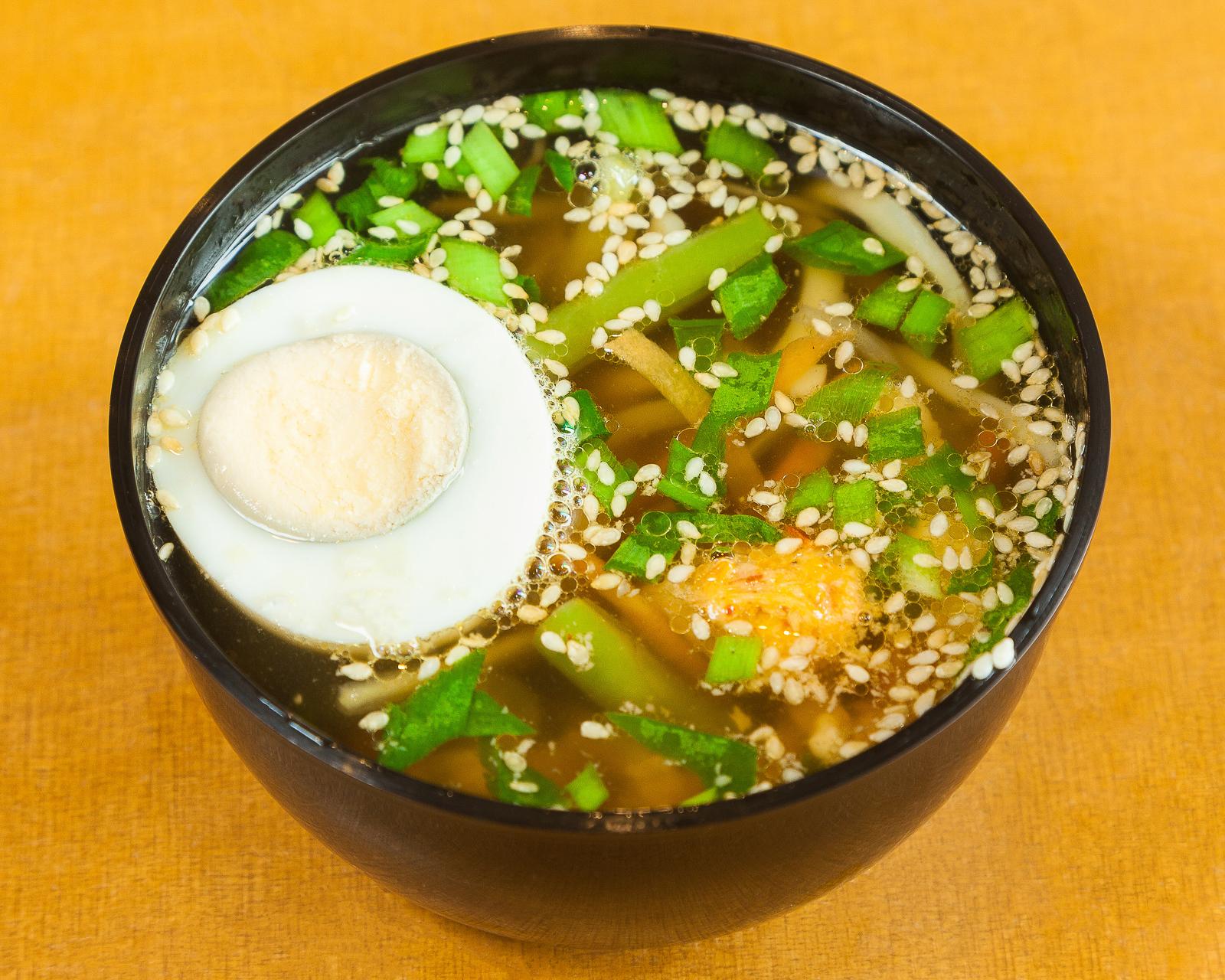 Суп Рамен с курицей и яичной лапшой