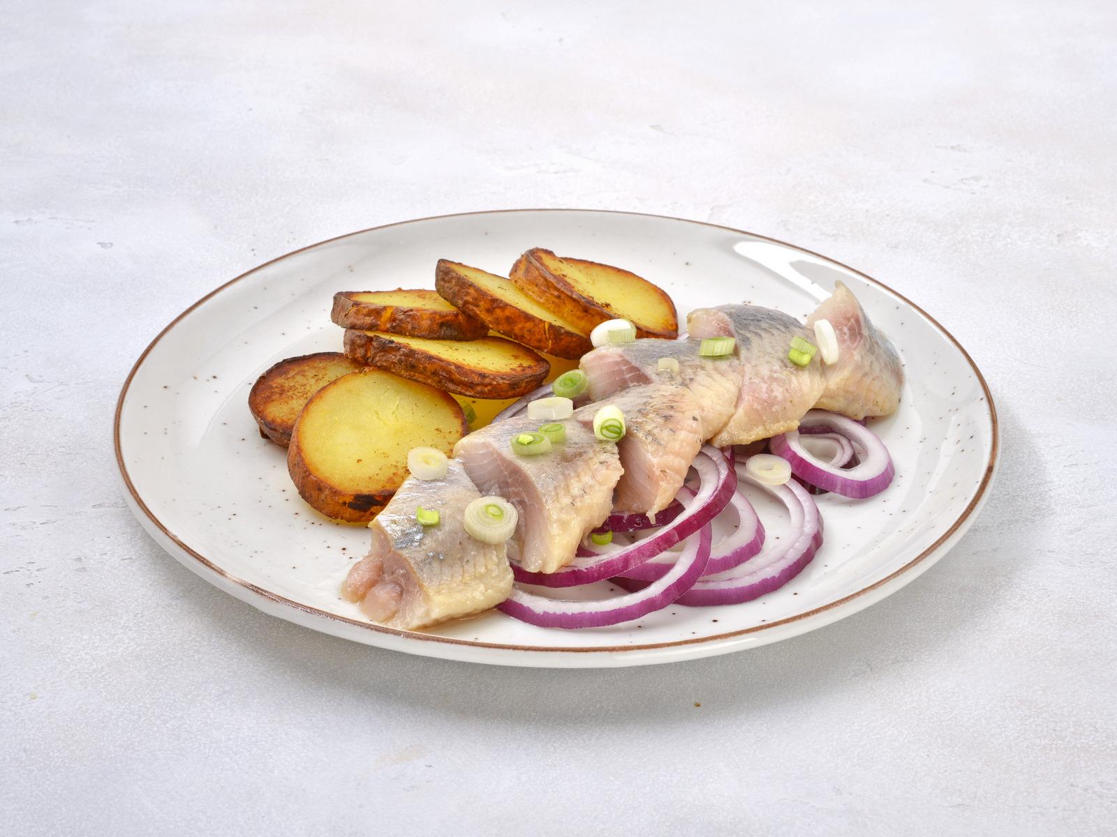 Пряная сельдь с картофелем