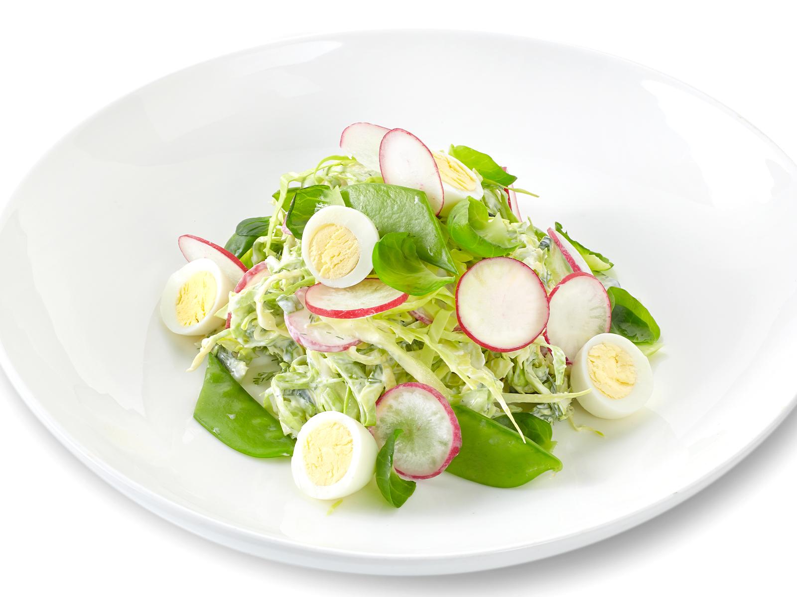 Салат из молодой капутсы, салата Кейл и овощей