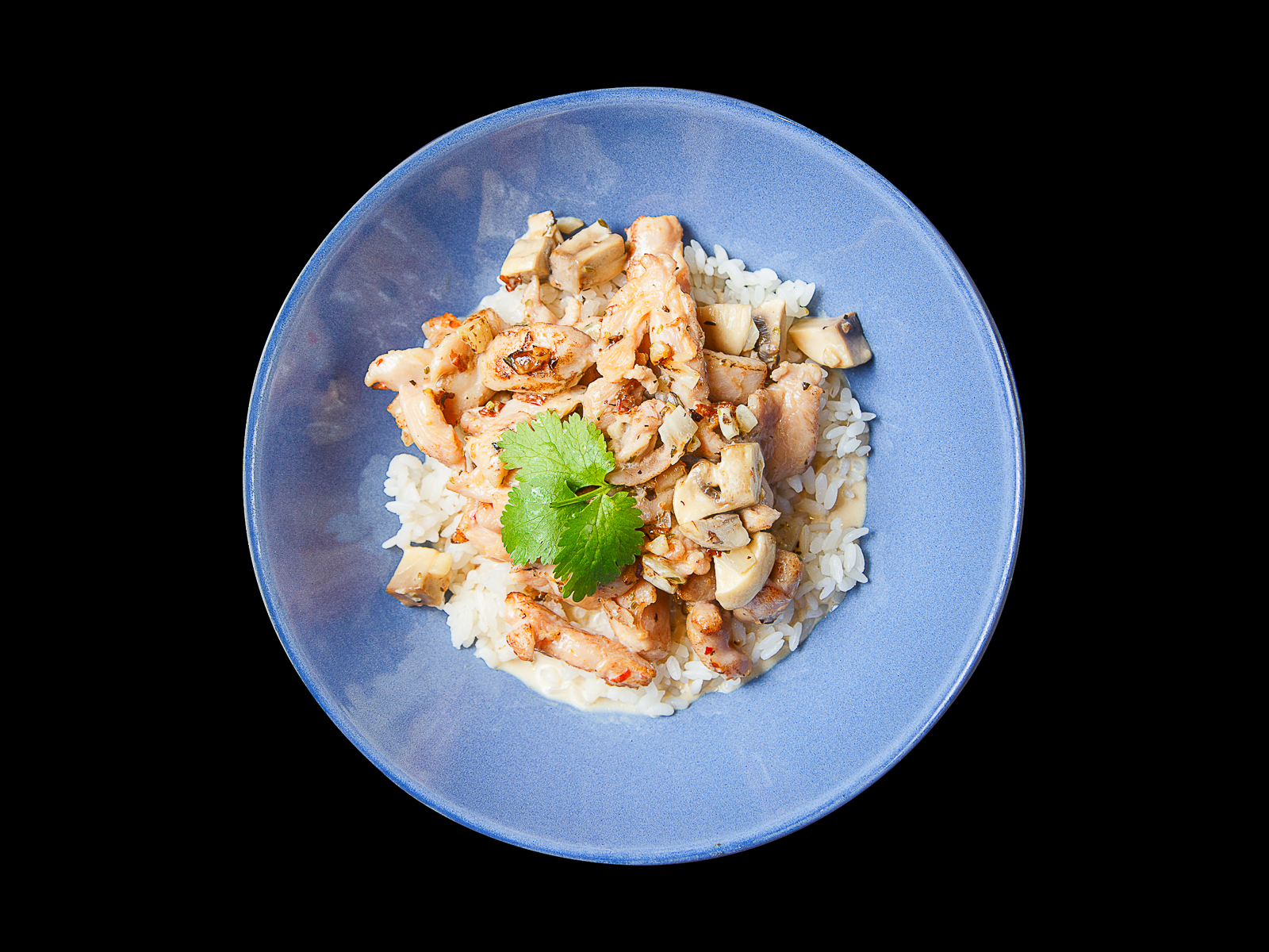 Курица в сливочно-сырном соусе с шампиньонами и рисом
