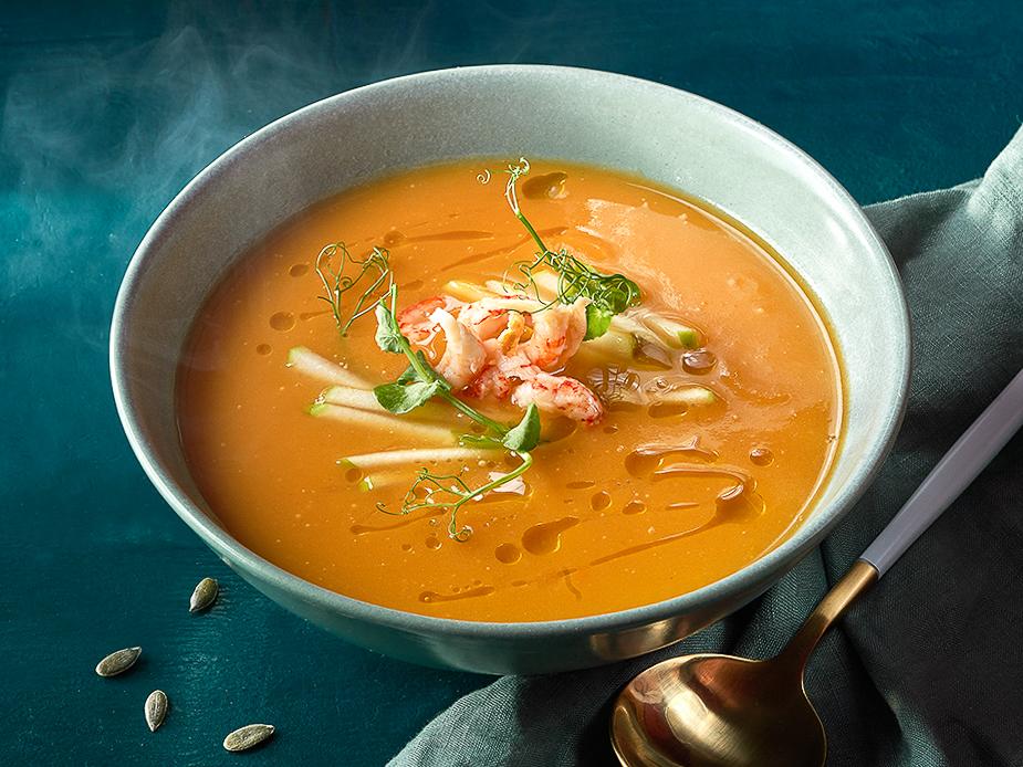 Тыквенный суп с кокосовым молоком и раковыми шейками